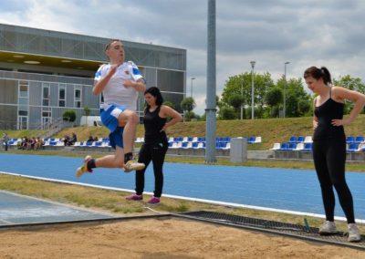 Młodzi lekkoatleci startowali na AWF-ie Lekkoatletyka 15 - Start Poznań