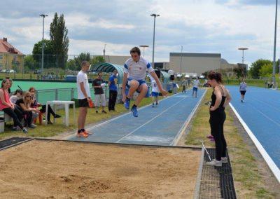 Młodzi lekkoatleci startowali na AWF-ie Lekkoatletyka 16 - Start Poznań