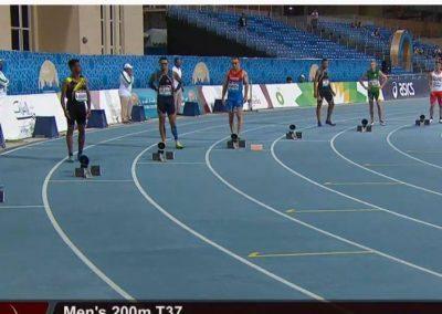 Michał Kotkowski w finale 200m Mistrzostw Świata w Paralekkoatletyce w Dubaju. 1 - Start Poznań