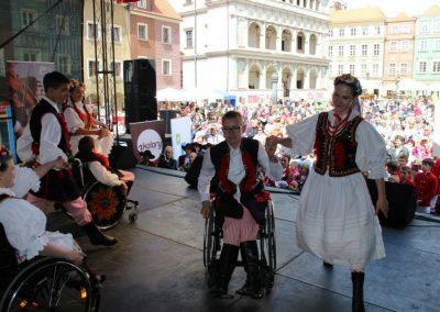 Klub tańców integracyjnych Kids Folk festival 2014 2 - Start Poznań