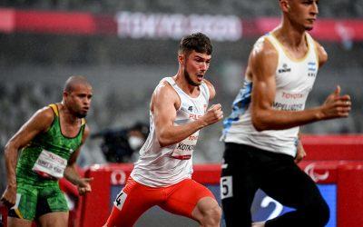 Michał Kotkowski z czasem 23.29 sekundy wszedł do finału 200 metrów (T37), bijąc rekord życiowy! Finał w nocy o 3:27!!